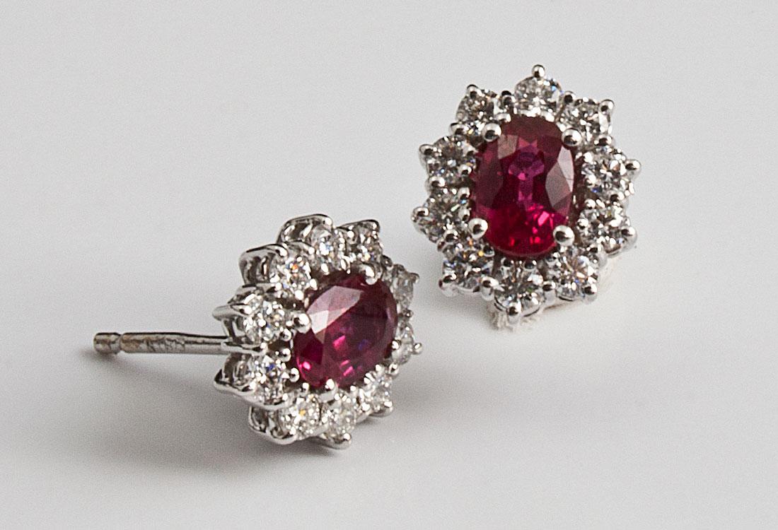 Orecchini con Rubini e Diamanti
