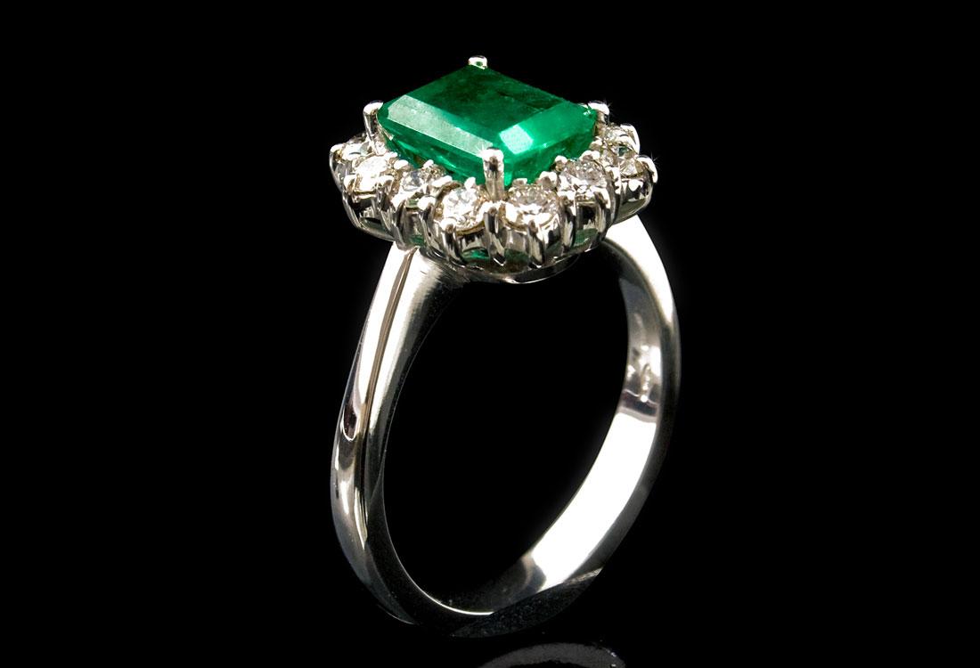 anello-con-smeraldo-02