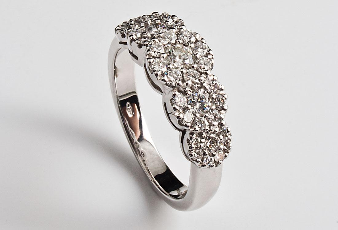 Fedina con diamanti 098 carati