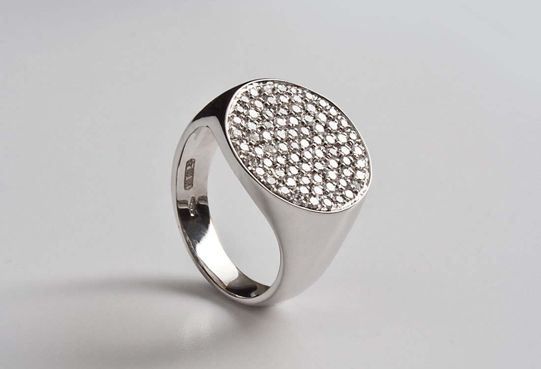 Scudo-con-diamanti-01