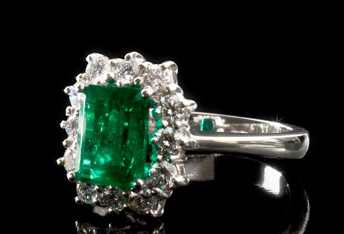 anello-con-smeraldo-01