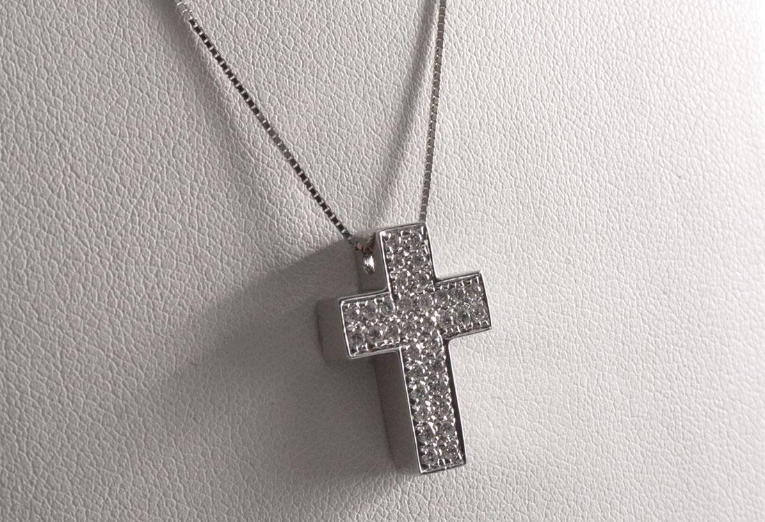 collana-crocifisso-diamanti-01