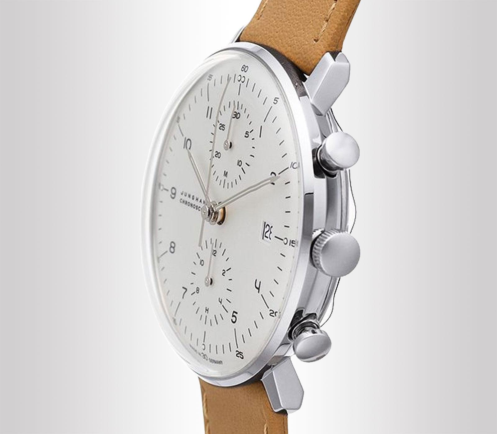 Quadrante argento opaco con lancette ora e minuti visibili al buio con funzione cronografo