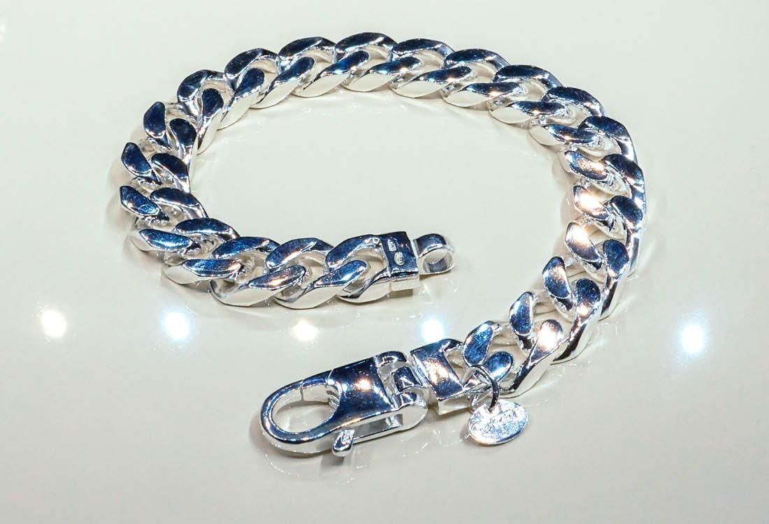 Chiusura in argento 925 dalla forma squadrata