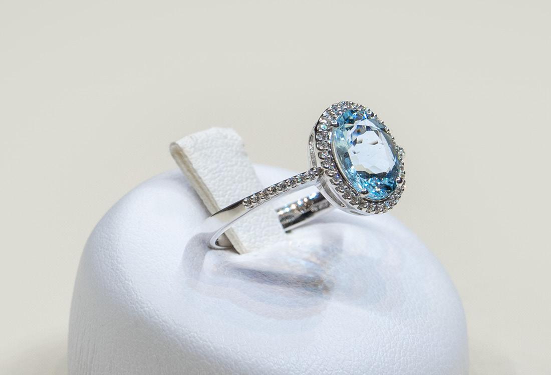 Bombonato anello acquamarina taglio ovale 04